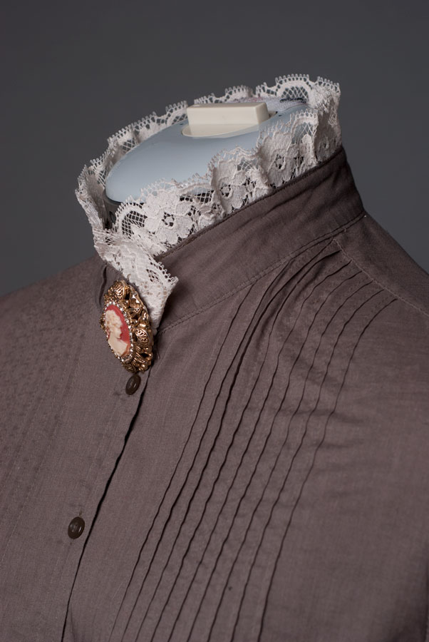 Victorian-blouse-collar