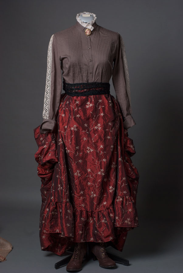 Victorian-outfit-remade